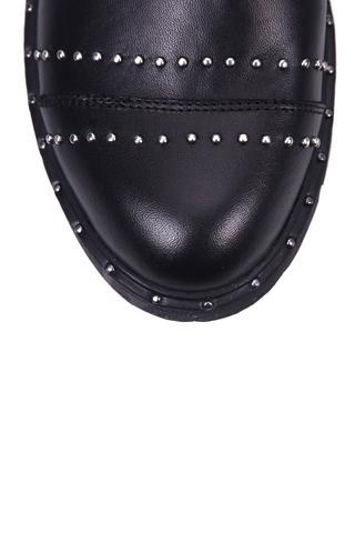 Zımbalı Kadın Deri Ayakkabı