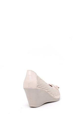 Kadın Dolgu Topuklu Fiyonklu Ayakkabı