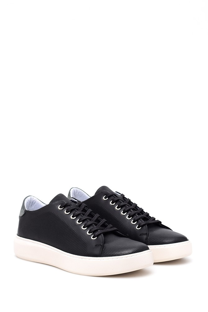 5638009174 Erkek Delikli Sneaker