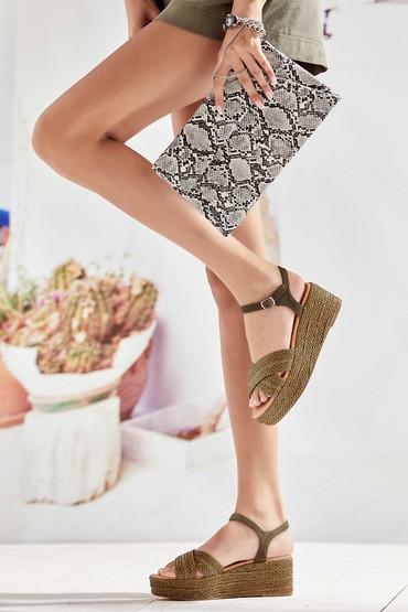 5638027527 Kadın Dolgu Topuklu Hasır Sandalet