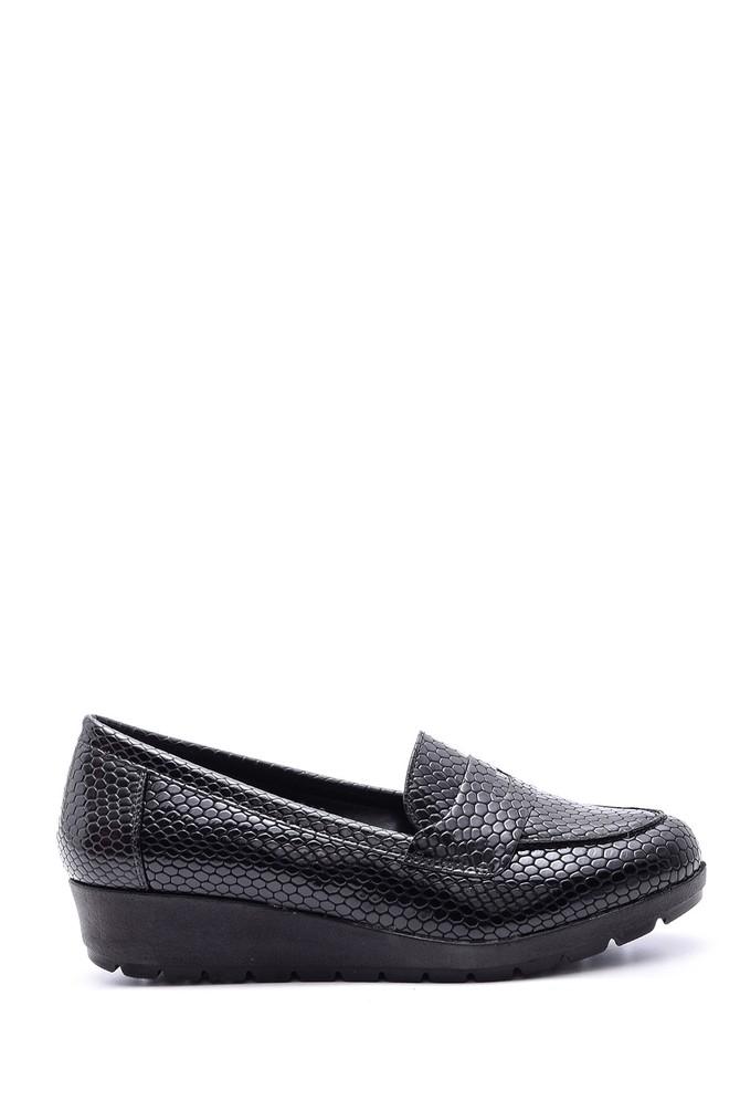 Siyah Kadın Yılan Derisi Desenli Ayakkabı 5638082052