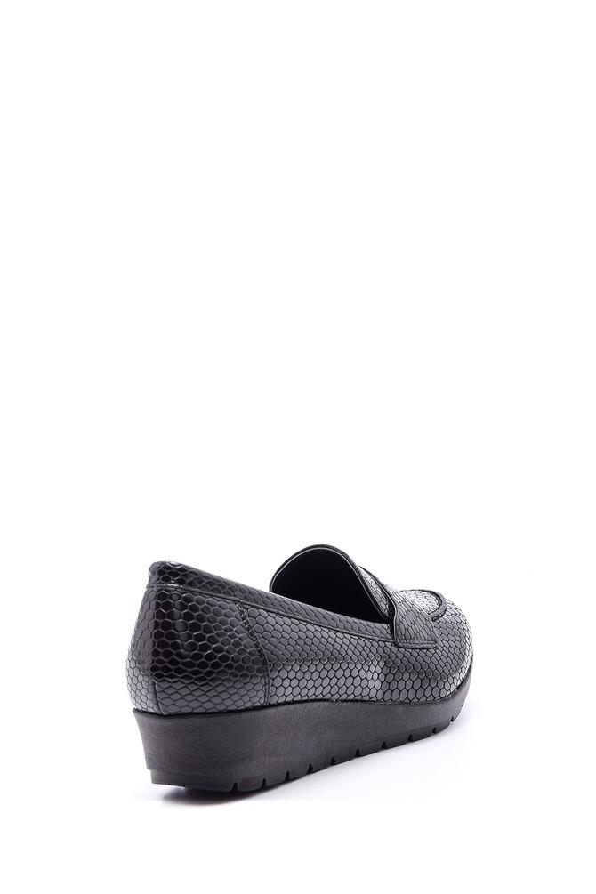 5638082052 Kadın Yılan Derisi Desenli Ayakkabı