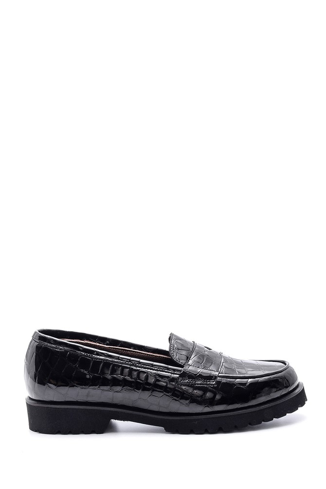 Siyah Kadın Kroko Desenli Deri Loafer 5638065819