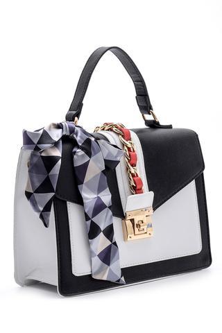 Kadın Fiyonk Detaylı Çanta