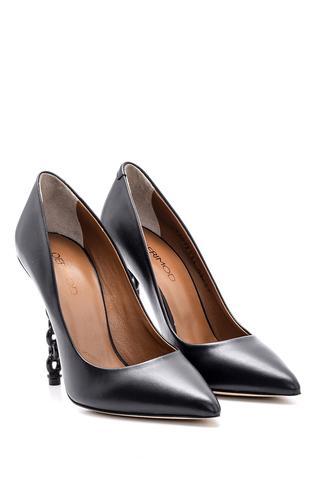 Kadın Zincir Topuk Detaylı Deri Stiletto