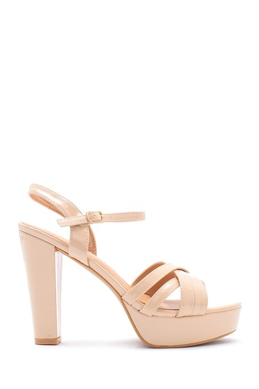 Bej Kadın Rugan Topuklu Ayakkabı 5638123851