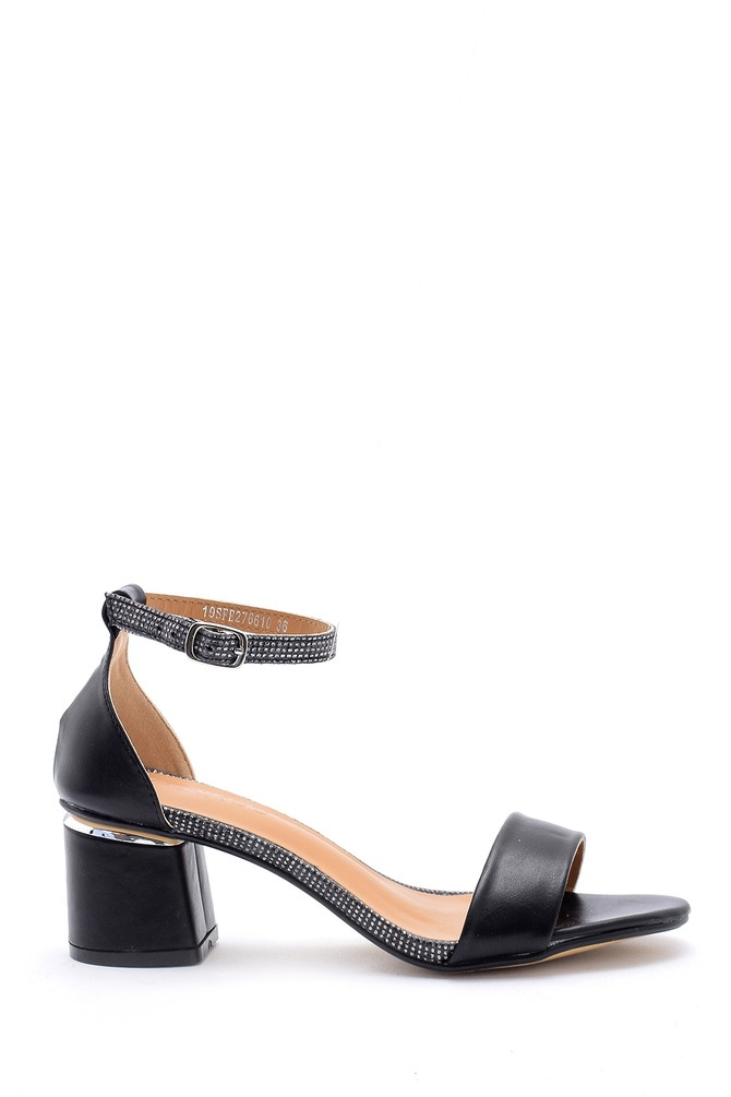Siyah Kadın Taş Detaylı Sandalet 5638126351