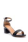 5638126351 Kadın Taş Detaylı Sandalet