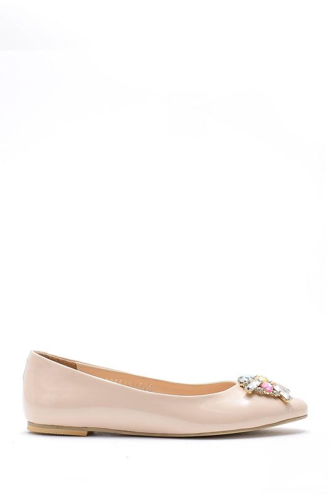 Bej Kadın Taş Detaylı Rugan Ayakkabı 5638170659