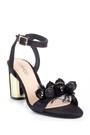 5638125668 Kadın Deri Aksesuar Detaylı Topuklu Ayakkabı