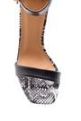 5638136317 Kadın Yılan Derisi Desenli Topuklu Sandalet