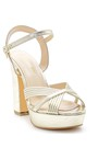 5638155677 Kadın Topuklu Sandalet