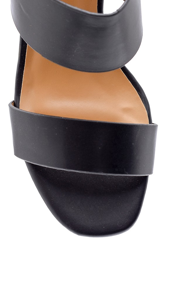 5638126453 Kadın Topuk Detaylı Sandalet