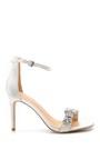 5638128927 Kadın Taş Detaylı Topuklu Sandalet