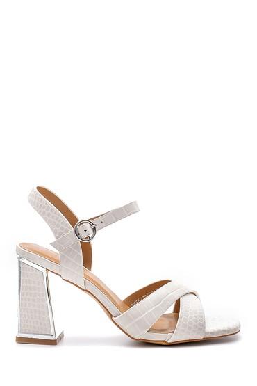 Beyaz Kadın Topuk Detaylı Sandalet 5638132595