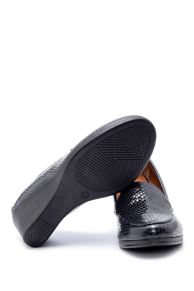 5638199420 Kadın Yılan Derisi Desenli Dolgu Topuklu Ayakkabı