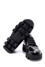 5638216510 Kadın Deri Rugan Kalın Tabanlı Ayakkabı
