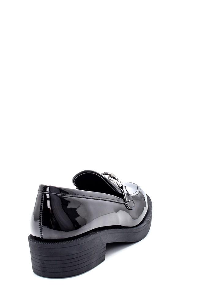 5638208916 Kadın Rugan Zincir Detaylı Loafer