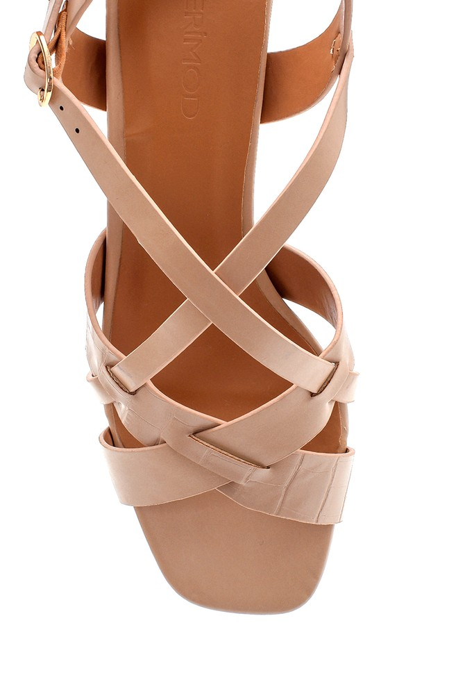 5638271755 Kadın Topuk Detaylı Sandalet