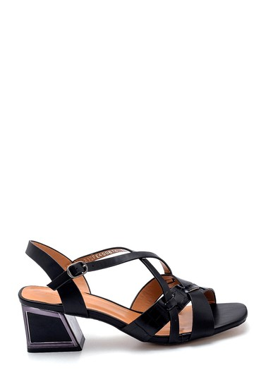 Siyah Kadın Topuk Detaylı Sandalet 5638271754