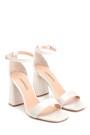 5638273638 Kadın Rugan Yüksek Topuklu Ayakkabı