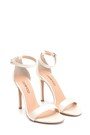 5638283829 Kadın Yüksek Topuklu Sandalet