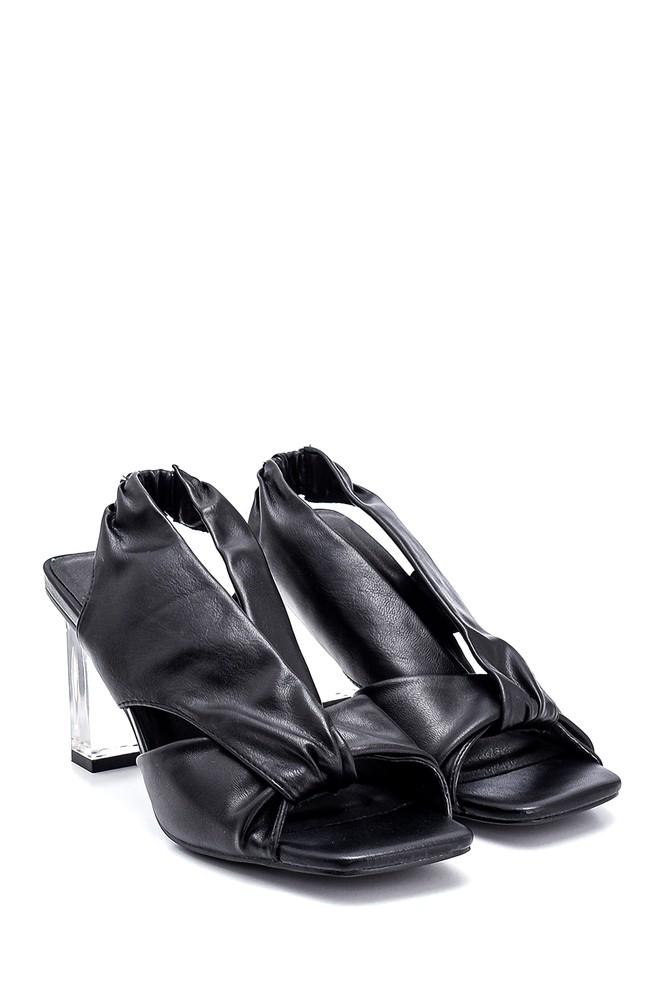 5638267355 Kadın Şeffaf Topuk Detaylı Sandalet