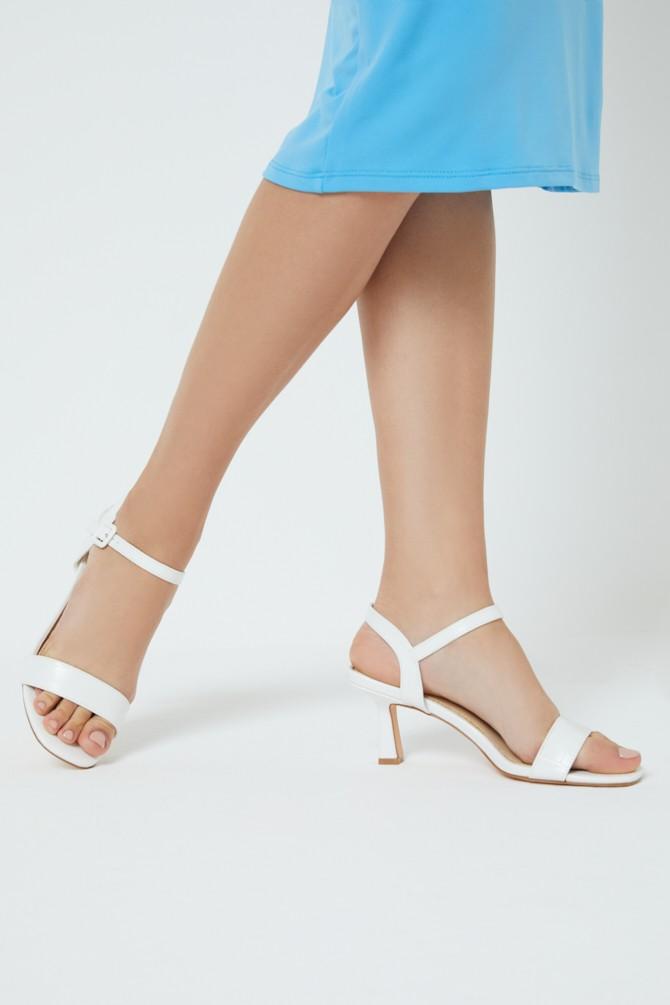 Beyaz Kadın Topuklu Sandalet 5638259103