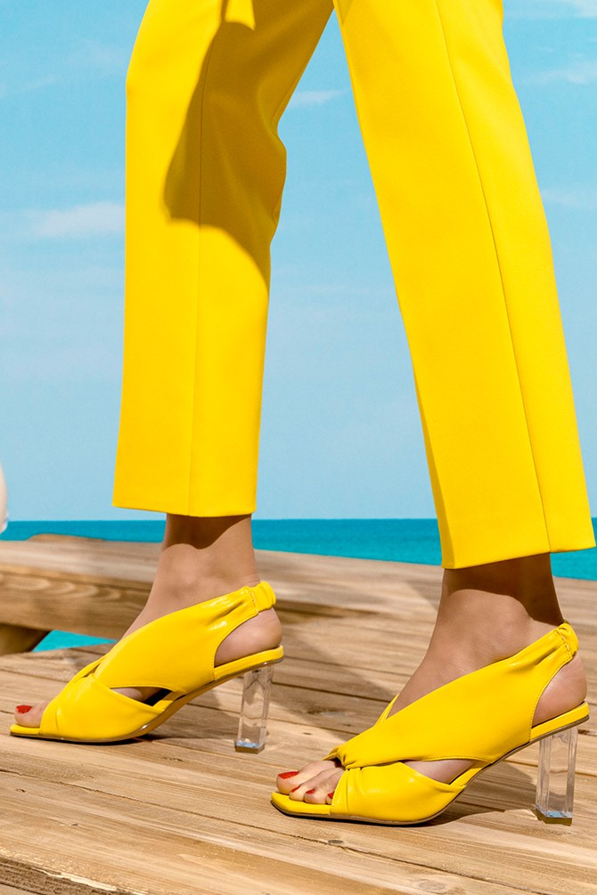 Sarı Kadın Şeffaf Topuk Detaylı Sandalet 5638267356