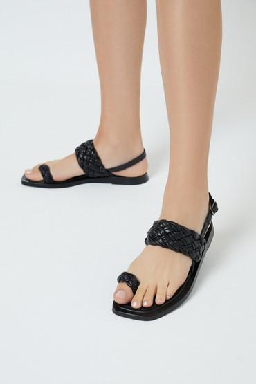 Siyah Kadın Deri Örgülü Sandalet 5638262097