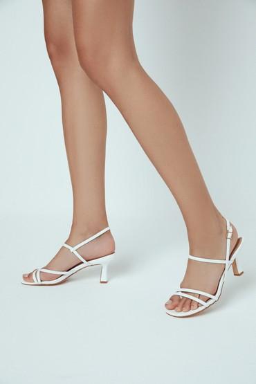 Beyaz Kadın Casual Topuklu Sandalet 5638270260