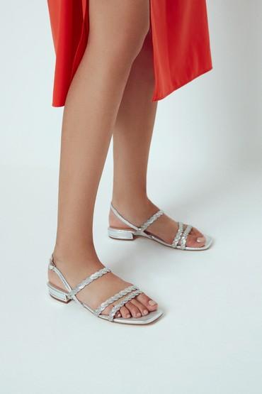 Gümüş Kadın Casual Taş Detaylı Sandalet 5638267310