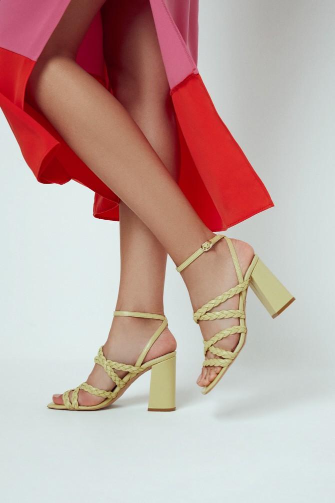 Sarı Kadın Örgü Detaylı Topuklu Deri Sandalet 5638298027