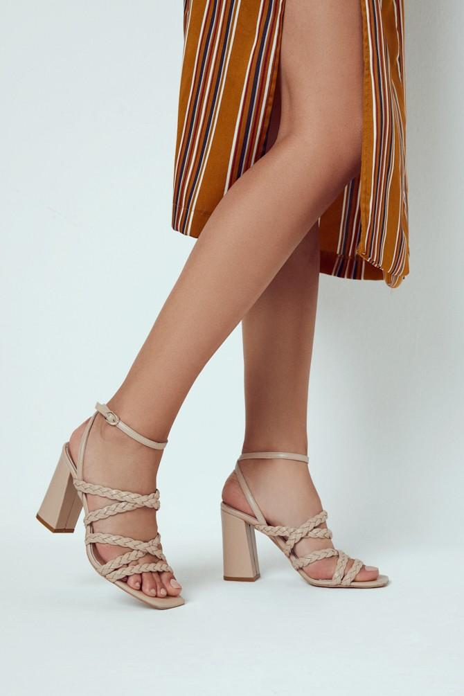Bej Kadın Örgü Detaylı Topuklu Deri Sandalet 5638298046