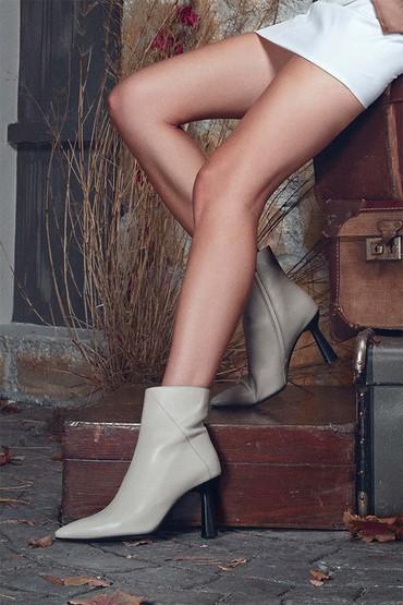 Bej Kadın Deri Topuklu Bot 5638330726