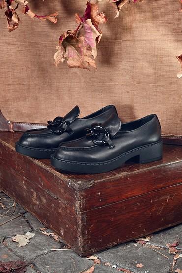 Siyah Kadın Deri Zincirli Ayakkabı 5638349242